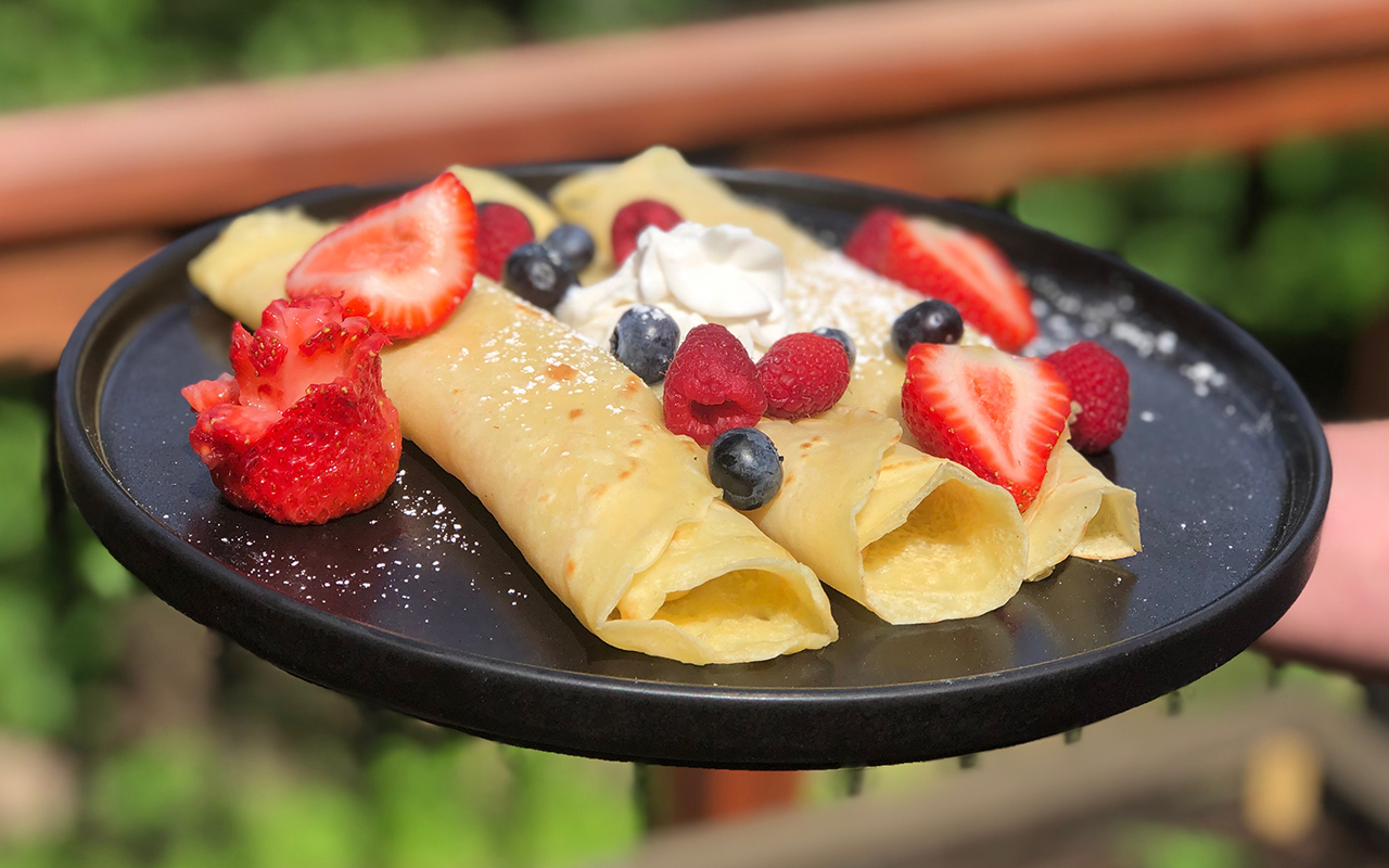 vegan crepes from wheat starch with fresh fruit